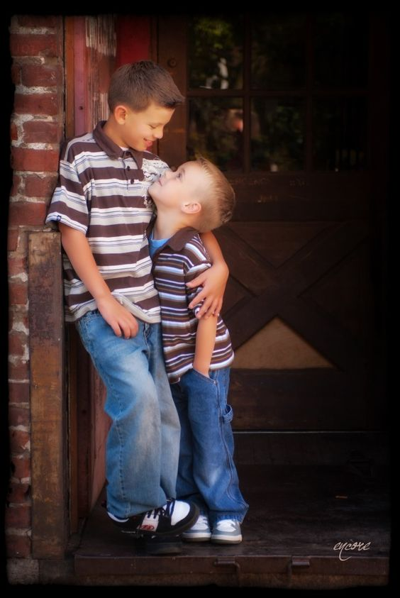 One of my favorite pictures of two brothers.  too bad they aren't always like this, but what siblings are?