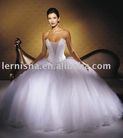 Google Image Result for http://i01.i.aliimg.com/photo/v0/295009155/Big_train_tail_bridal_wedding_dress_LFS402.jpg