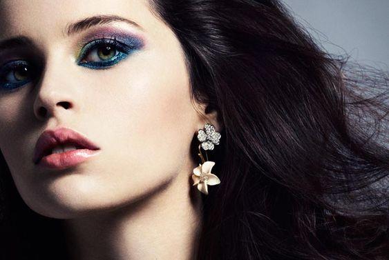 my new favorite makeup look..felicity jones with d eye shadow in Bouquet