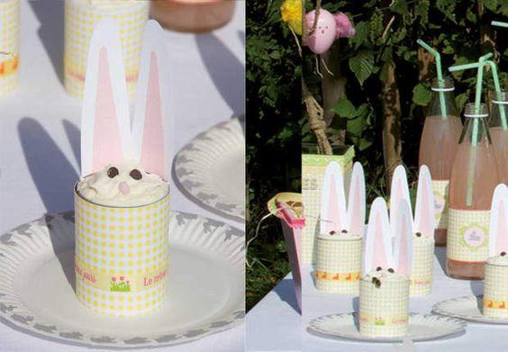 """Des verrines lapinsOn fête Pâques sous le soleil de printemps en dressant une """"sweet table"""" dans le jardin. Goûter surprise pour les enfants avec d'adorables petits lapins en papiers découpés qui décorent des verrines garnies de glaces."""