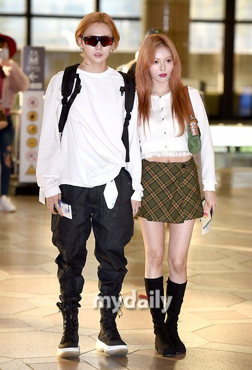 Netizen Buzz Hyuna And E Dawn Couple Up At The Airport Fashion Idol Kpop Fashion Daily Fashion