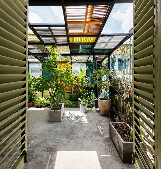 colorful shutter walls at vegan house in vietnam / sfgirlbybay