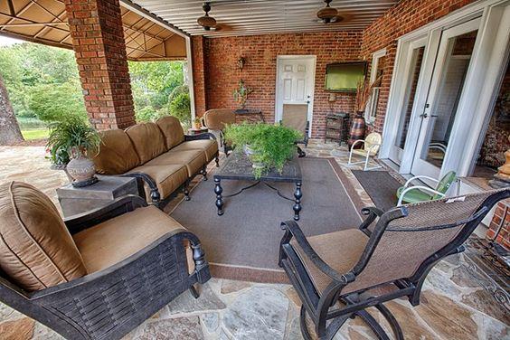 Covered Patio, Deep Seating Patio Proscape Inc.  Tuscaloosa, AL