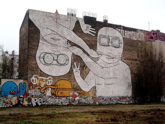 graffitis géants de BLU