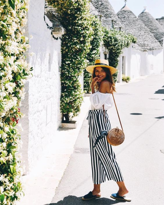 Alexandra Pereira, Lovely Pepa. Photo Source: https://www.instagram.com/lovelypepa/ Basket bag, woven bag, rattan bag, round bag, circle bag, summer bag