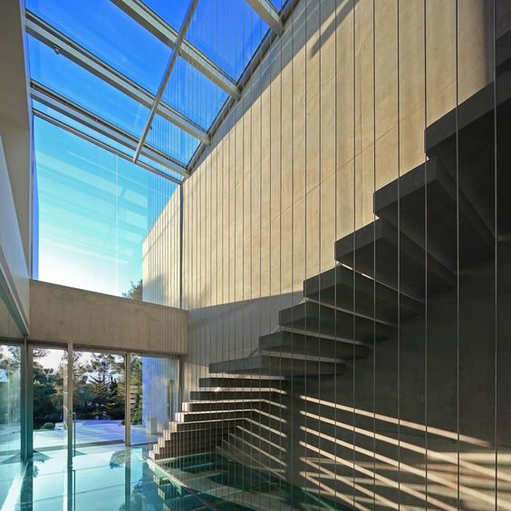 """Villa 154 designed by ISV Architects / Photo by: Anargyros Mougiakos  Villa 154 diseñada por ISV Arquitectos. #d_signers #Staircase"""