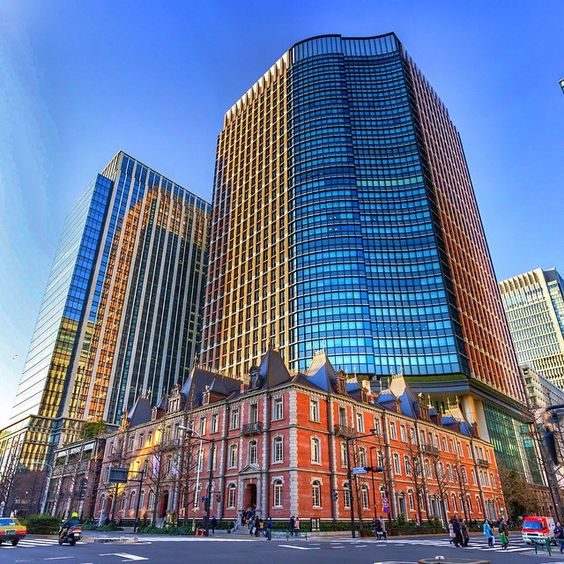 Marunouchi, center of Tokyo; brick building in front is a reconstruction of the original first office building by Mitsubishi back in the 1890s.  #三菱一号館 #丸の内 #丸の内パークビル #丸の内ブリックスクエア #建物 #建築物 #HDR