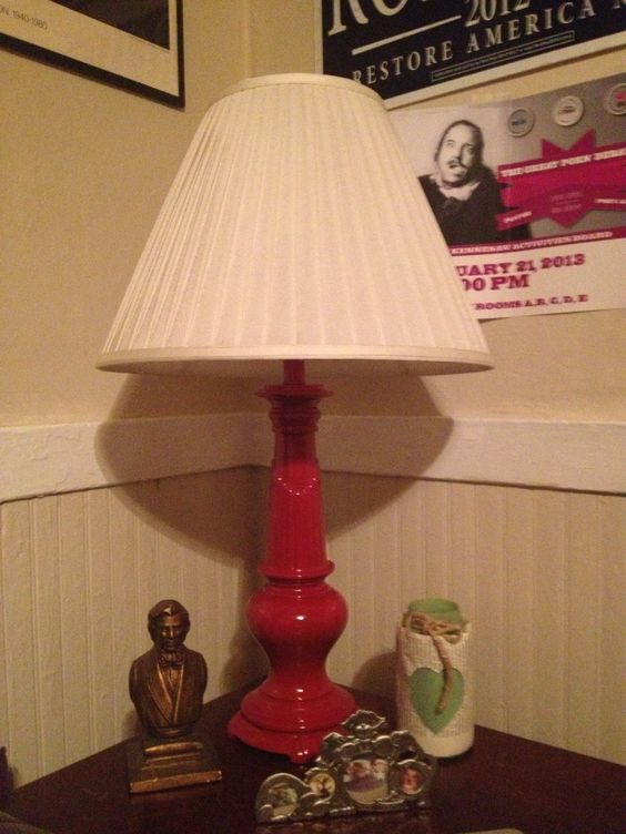 Old, bronze Goodwill lamp spray painted flat red. DIY Upcycle