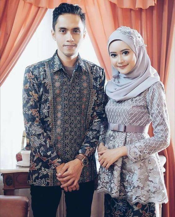 12 Inspirasi Manis Kebaya Couple buat Tunangan, Serasi Memesona