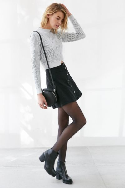 Glamorous Risen Texture Cropped Sweater - Urban Outfitters