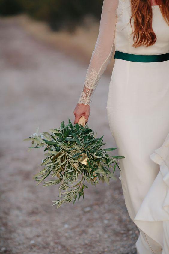 Bouquet naturel vert et touche dorée