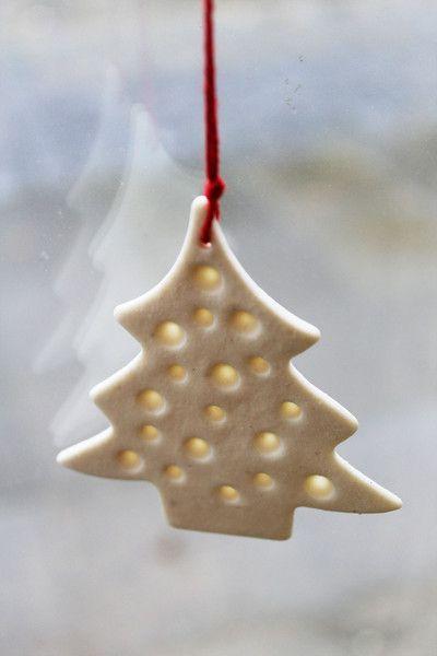 Daweihnachten: 1 Großer Porzellan - Tannenbaum... von zeit-geister auf DaWanda.com