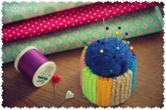 Nadelkissen aus Toilettenpapierrolle / Pin cushion made with toilet paper roll / Upcycling