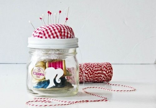 Sewing Kit in a Jar (and many other great gift ideas using mason jars)