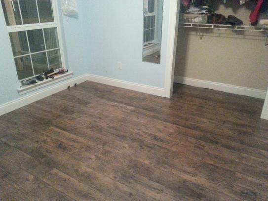 Pergo Xp Rustic Grey Oak 10 Mm T X 6 14 In W X 54 33 In L Laminate Flooring 20 86 Sq Ft Case Lf000821 The Home Depot Flooring Grey Oak Oak Laminate Flooring