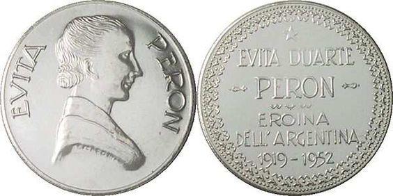 "Italian Silver Medal with the image of Eva Perón and the inscription ""Evita Duarte Peron - Eroina Dell ´Argentina - 1919-1952""."