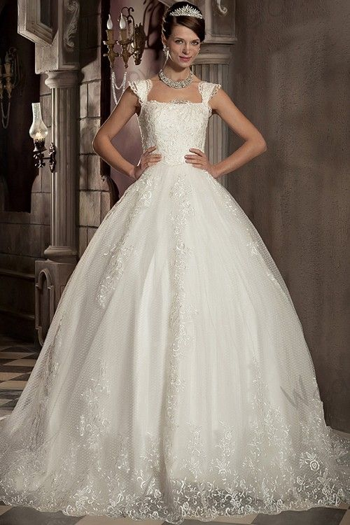 Sleeveless Straps Ball-Gown Satin/Tulle Lace/Appliques/Embroidery Wedding Dress