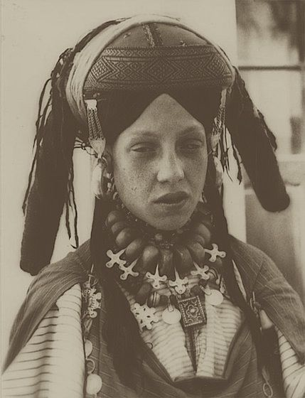 *Moroccan woman photographed by Jean Besancenot in 1935