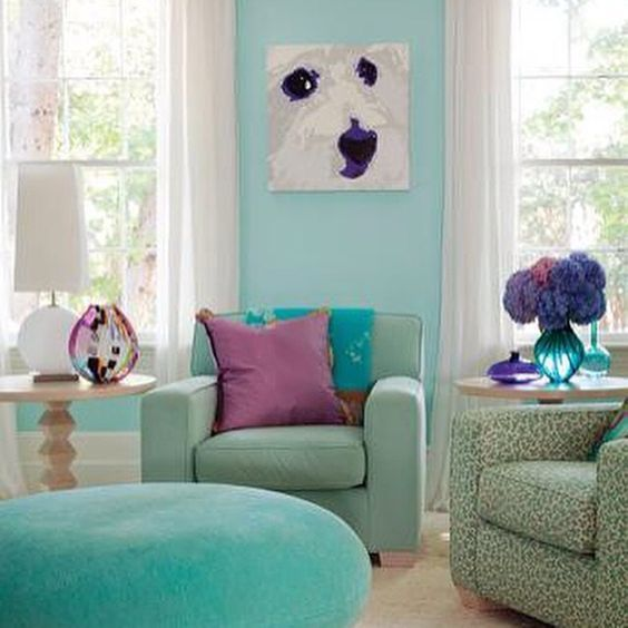 Cheerful relaxed luxurious and comfortable.  Just lovely.  #design #interiordesign #interiorinspiration #interiordecor #interiordecoration #turquoise #teal #purple #coolcolors #texture #velvet #airy #serene #lovely ( # @nehomemag via @latergramme )  #SpringGreenInteriorDesign #SpringGreenDesign #SpringGreenLoves