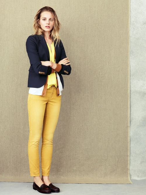 mustard jeans + navy blazer. love it.