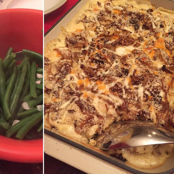 'Tis the season for comfortfood. Big batch of Mac'n'cheese had a two-fold benefit: used up the leftover cheese in the fridge and warmed the tummies of family and friends around the table. Served with a large helping of green beans steamed with garlic.