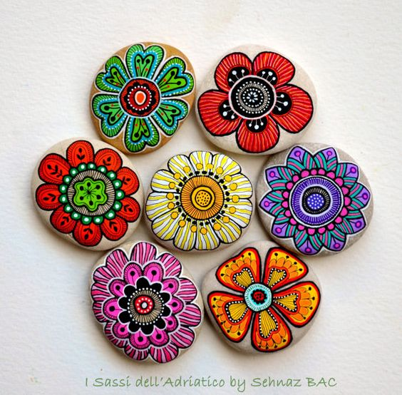 Hand Painted Stone Flowers / Set of 7 stones: