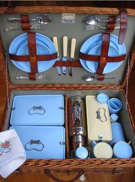 harrod's 1950's picnic basket