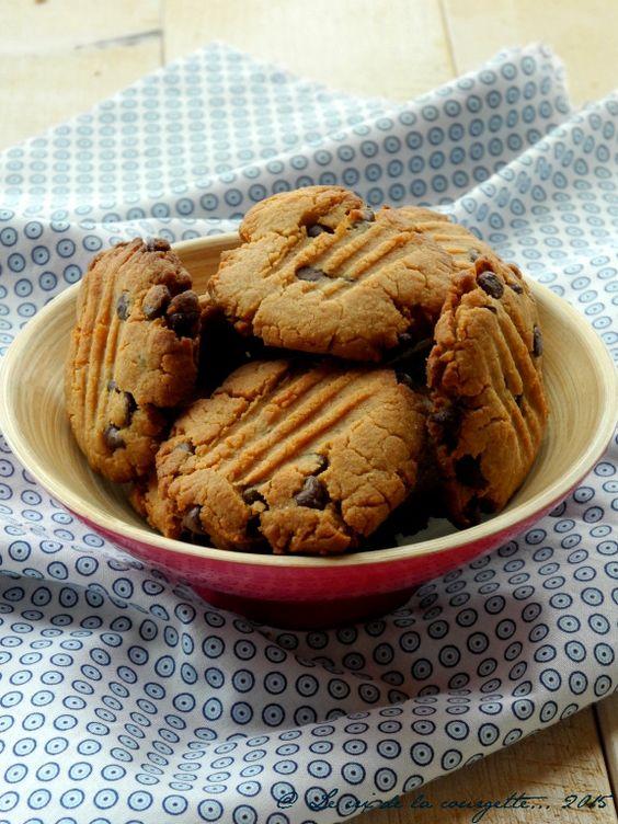 Cookies au beurre de cacahuète et pépites de chocolat {sans lactose, sans oeuf, sans gluten}