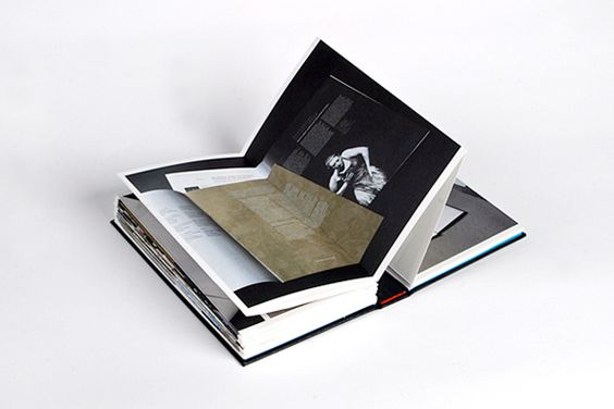 6 Tips For Creating A Stunning Print-based Portfolio. +4 Amazing Examples