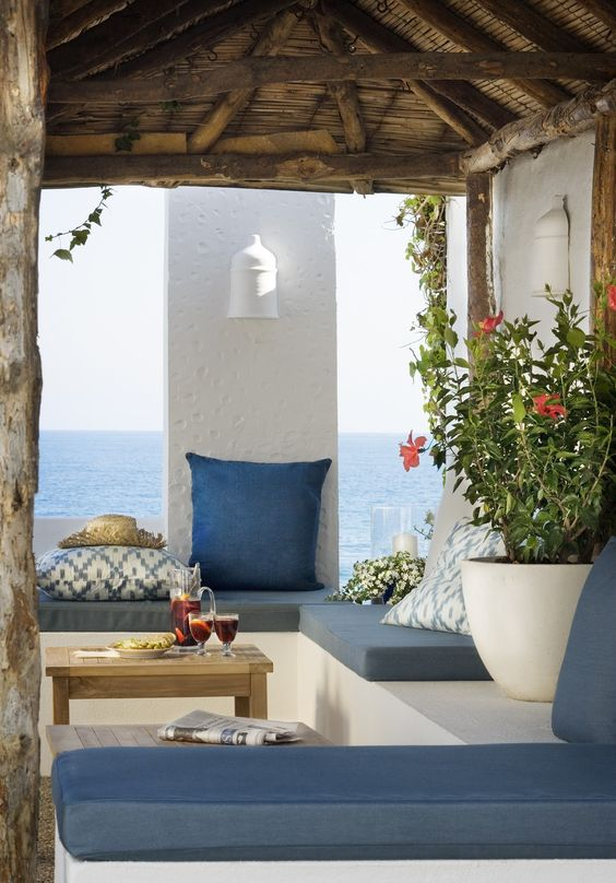 Seating area at The Beach House - El Chaparral, Mijas, Costa del Sol, Andalusia Toni Pons, carácter mediterráneo. www.tonipons.cat #beachhouse #mediterranean #sea