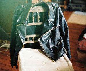 """""""She left her jacket. She never leaves her jacket anywhere"""" -Ashley talks about Emery"""