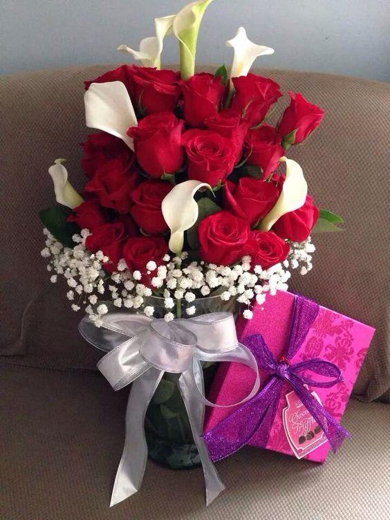 Lcatrases y rosas hermosa combinación