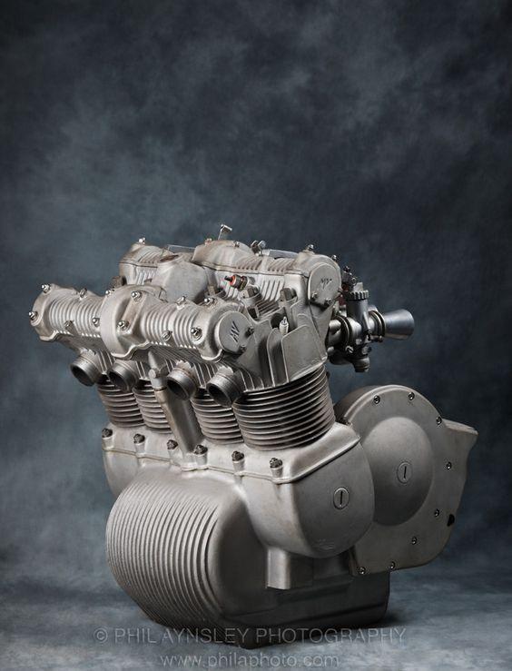 Even as a sculpture this would look good.1973 MV Agusta 750 GT - www.remix-numerisation.fr - Rendez vos souvenirs durables !