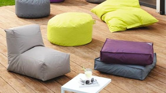 la foir fouille s invite au jardin poufs et photos. Black Bedroom Furniture Sets. Home Design Ideas
