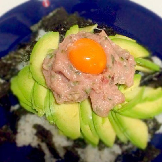 卵の濃さに感動!わさび醤油をかけて、ペロリといただきました〜♫ - 33件のもぐもぐ - アボカド鮪オクラ丼 by masami83hacchi