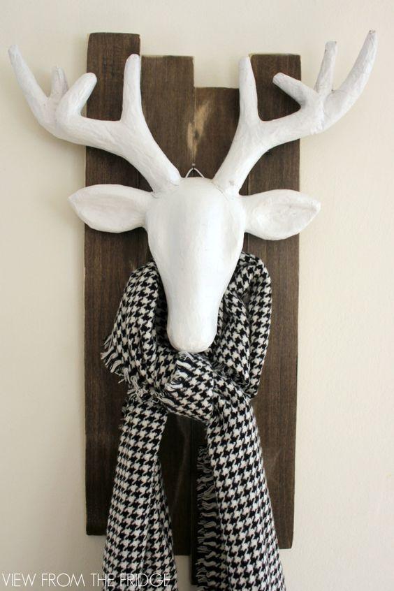 20+ Wonderful Black Christmas Decorations Ideas That Amaze You