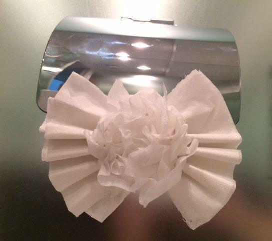 トイレットペーパーで可愛く!「お花リボン」の折り方 | nanapi [ナナピ]