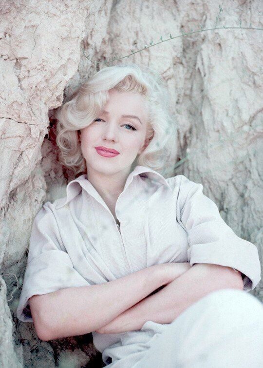 Marilyn Monroe photographer by Milton Greene, 1953.