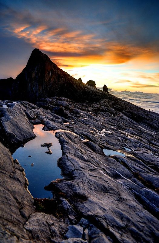 Stunning Mount Kinabalu.....wish I was back here enjoying this view!: