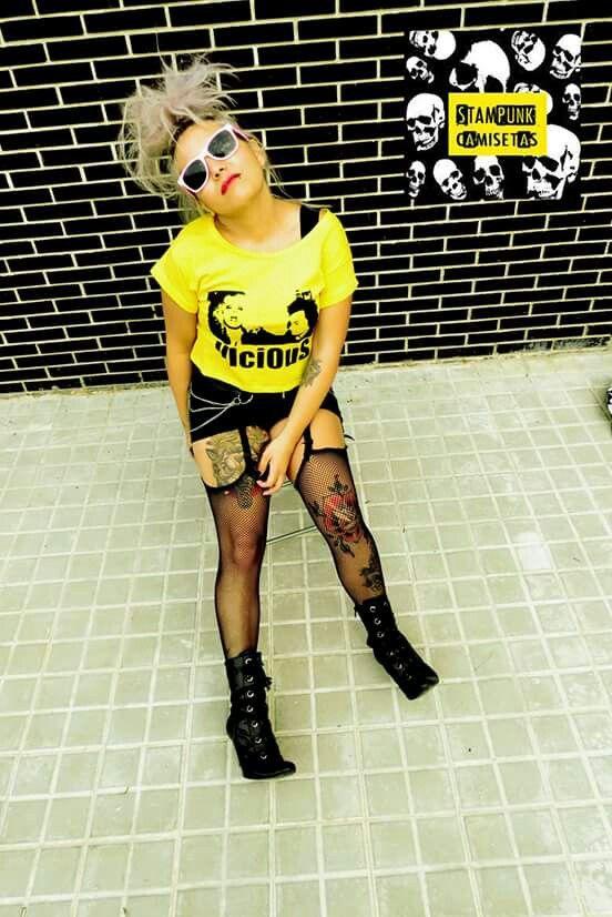 Vicious! Camiseta Amarilla y negra! #vicious #sidynancy #sexpistols #sidvicious #modapunk