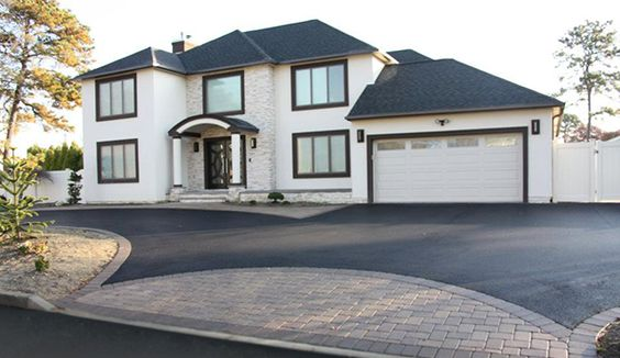 Asphalt Concrete Or Pavers Which Driveway Is Right For You Farmhouse Landscaping Concrete Driveways Driveway Design
