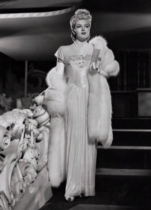 Lana Turner 1946 The Hair The Fur The Dress Swoon Vintage 1940s Actress Hollywood
