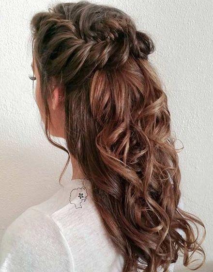30 Chic Half Up Half Down Bridesmaid Hairstyles Lovehairstyles Com Wedding Hair Down Homecoming Hairstyles Hair Styles