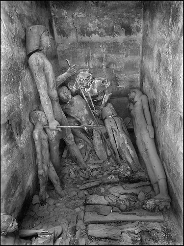 The people of the Ancient Empire...The discovery of the tomb of Akhithotep, overlord of the Vth dynasty, in 1941 by Abdessalam Hussein, was and will forever remain one of the most spectacular discoveries in the history of Egyptology. Hassabollah Taieb recorded the moment for posterity modestly, as he considered the wooden figures to be his own ancestors.....TAIEB HASSABOLLAH/COLLECTION PATRICK CHAPUIS-PHILIPPE FLANDRIN