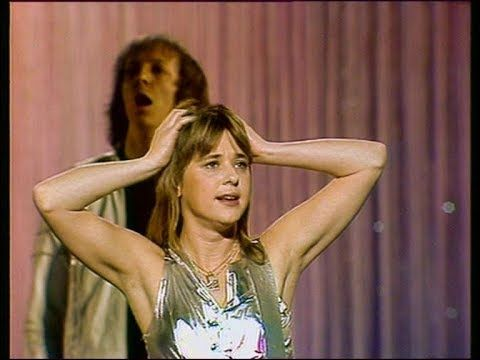 Suzi Quatro If You Can T Give Me Love 1978 Hq Ein Kessel Buntes Youtube Youtube Videos Music Best Rock Music Music Memories