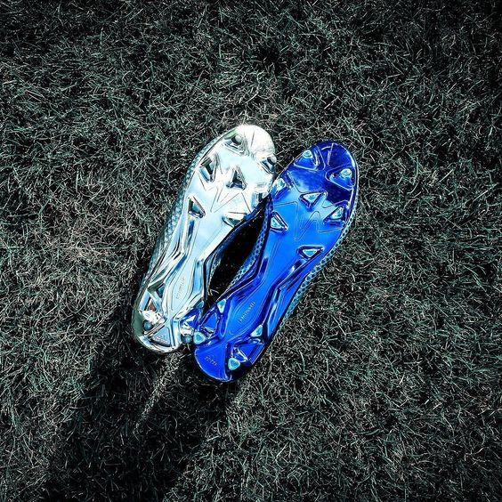 Sole heaven from @adidasfootball. Marks out of 10? . . . #footydotcom #fcfc #footy #footballboots #soccercleats #football #soccer #futbol #futbolsport #cleatstagram #totalsocceroffical #fussball #bestoffootball #rldesignz #footballgame #soccergame #adidasfootball #adidassoccer #firstneverfollows #teammessi #messi #lionelmessi #fcbarcelona #threestripes #blue #pureagility #messi16 #metallic #pdsbootroom