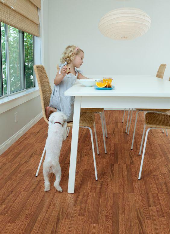 Piso cer mico tipo madera corona perfecto para familias for Precio colocacion piso ceramico