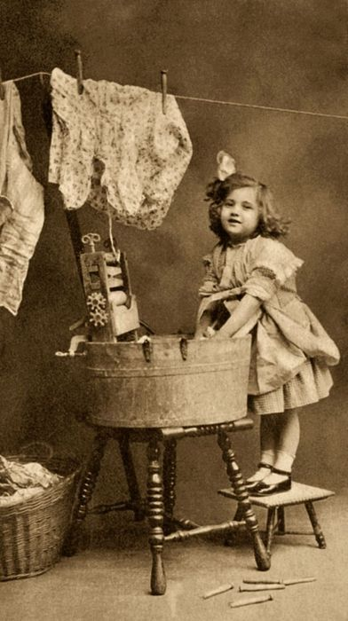 Laundry day---God knew exactly what era I needed to be born in! I love this picture though!!: