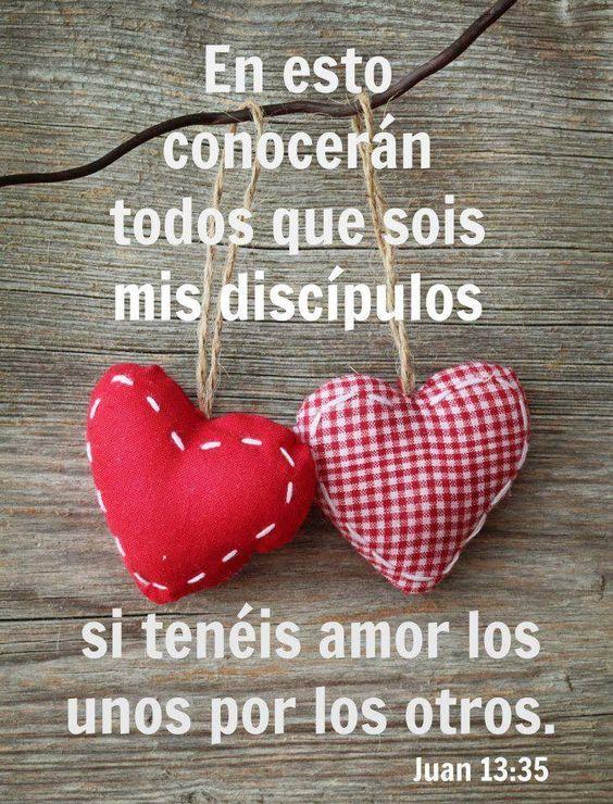 Juan 13:35 En esto conocerán todos que sois mis discípulos, si tuviereis amor los unos con los otros.♔