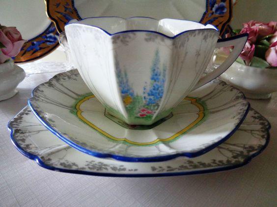 Shelley Trio - My Garden Pattern.....Queen Anne Shape - Beautiful Condition